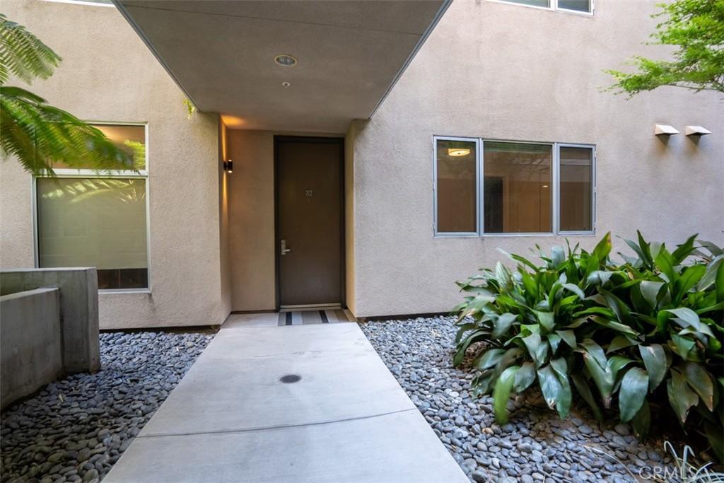 地址: 6001 Carlton Way, Hollywood, CA 90028
