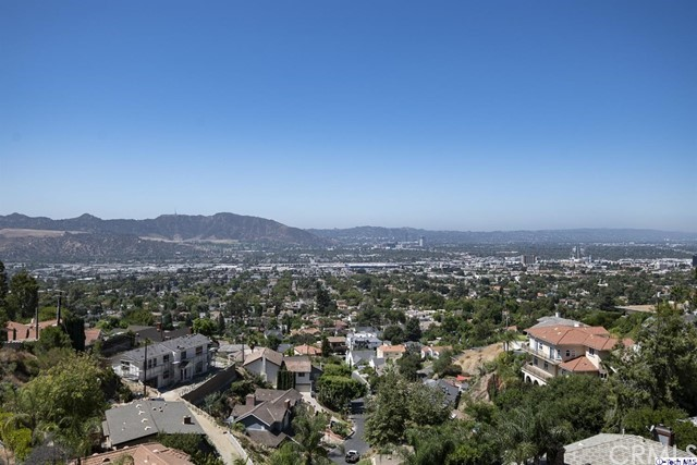 1001 Via Alta, Burbank, CA 91501
