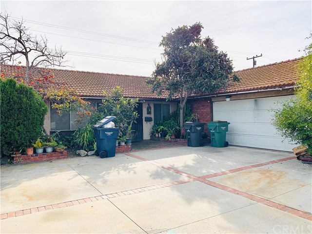 6262 Royal Oak Drive, Huntington Beach, CA 92647