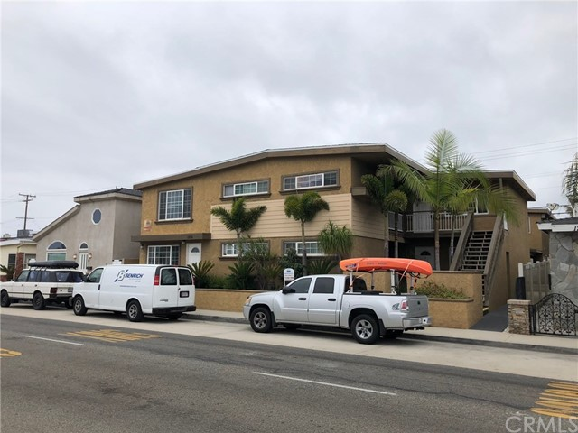 SEVEN UNIT BUILDING IN NEWPORT BEACH ON THE BALBOA PENINSULA. CLOSE TO THE BEACH AND THE BAY. RECENTLY UPGRADED. DOUBLE SIZED LOT. SELLER CURRENTLY HAS CITY OF NEWPORT BEACH SHORT TERM RENTAL LICENSES ON ALL UNITS. ON-SITE LAUNDRY. GREAT MIX OF UNITS WITH RENTAL $ UPSIDES. FOUR 2 BEDROOMS WITH 2 BATHS, THREE 2 BEDROOMS WITH 1 BATH. THIS IS A TROPHY LOCATION PROPRTY.