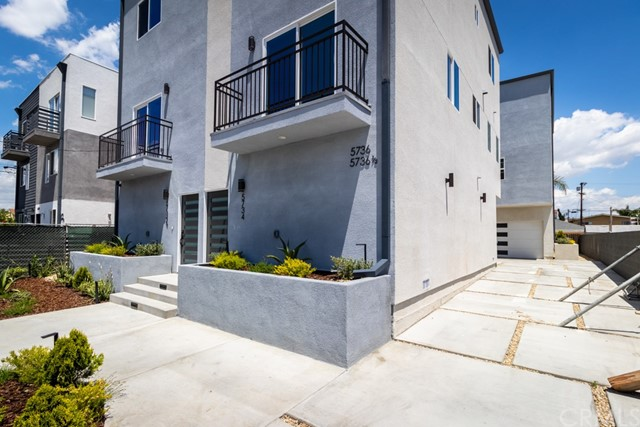 5736 Case Avenue, North Hollywood, CA 91601