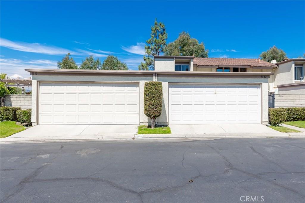5542   E Vista Del Rio, Anaheim CA 92807