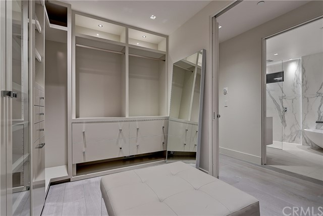 107 24th Street, Hermosa Beach, California 90254, 5 Bedrooms Bedrooms, ,2 BathroomsBathrooms,For Sale,24th,SB18241912
