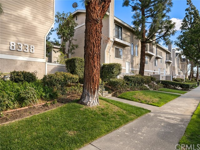 8338 Woodley Place 4, North Hills, CA 91343