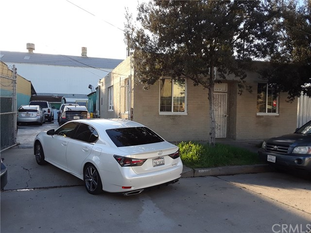 10513 Dolores Avenue, South Gate, CA 90280