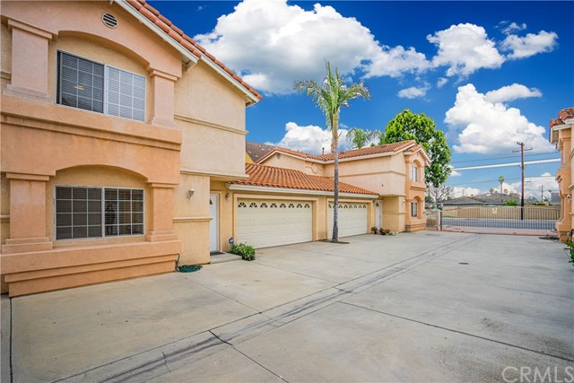 7602 Stewart And Gray Road, Downey, California 90241, 3 Bedrooms Bedrooms, ,2 BathroomsBathrooms,Residential,For Sale,Stewart And Gray,PW21087395