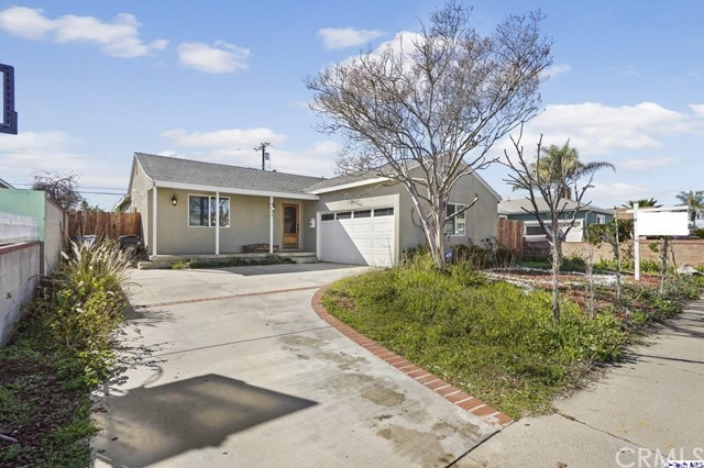 8439 Amboy Avenue, Sun Valley, CA 91352