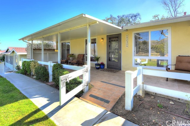 19213 Avenue Of The Oaks A, Newhall, CA 91321