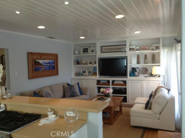 425 28th Street, Hermosa Beach, California 90254, 3 Bedrooms Bedrooms, ,2 BathroomsBathrooms,For Sale,28th,S12112006