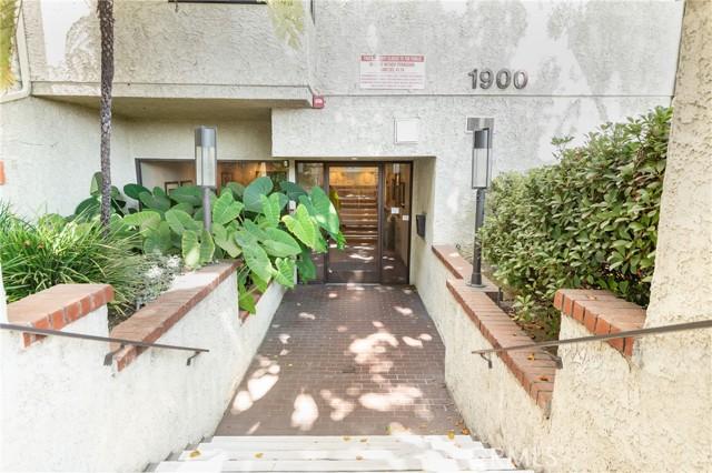 23. 1900 Vine Street #308 Los Angeles, CA 90068