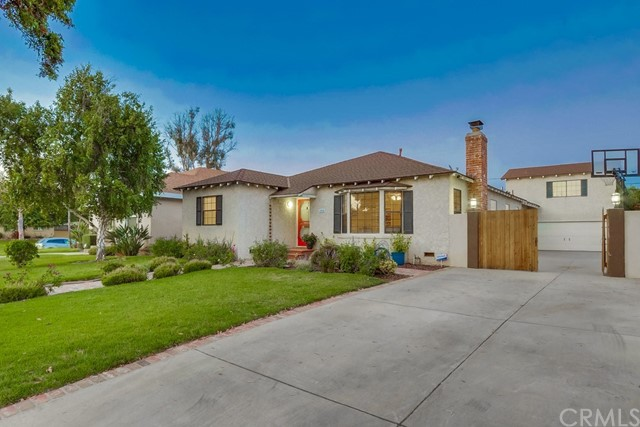 4650 Pepperwood Avenue, Long Beach, California 90808, 4 Bedrooms Bedrooms, ,3 BathroomsBathrooms,Single Family Residence,For Sale,Pepperwood,SB20113928