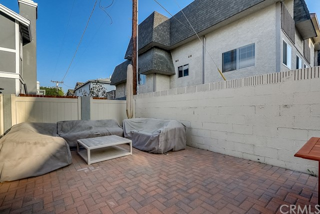 2104 Nelson Avenue B, Redondo Beach, California 90278, 4 Bedrooms Bedrooms, ,3 BathroomsBathrooms,For Sale,Nelson,SB20211994