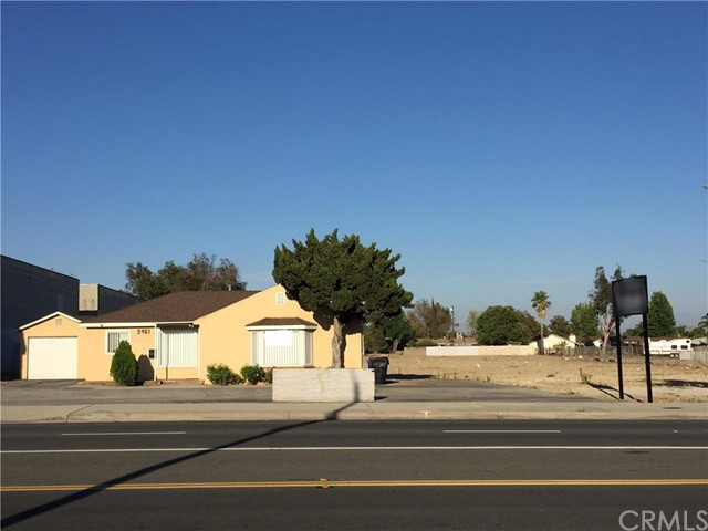 9461 Sierra Avenue, Fontana, CA 92335