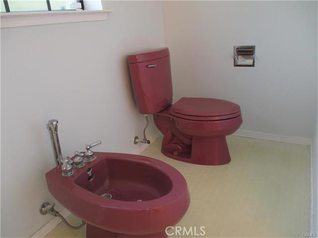 Master bathroom with bideau.
