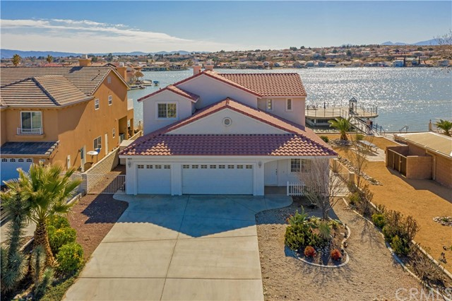 18075 Lakeview Drive, Victorville, CA 92395