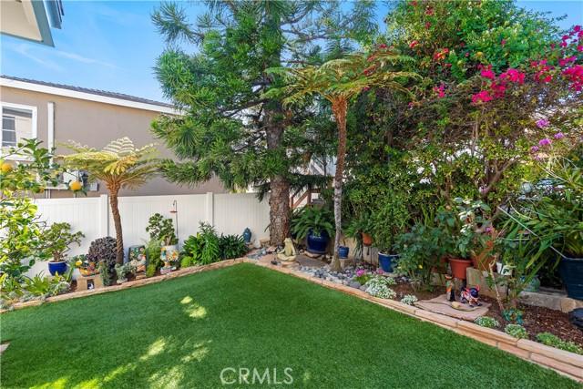 30. 575 Blumont Street Laguna Beach, CA 92651