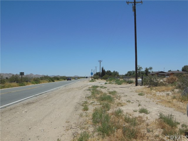 4493 Old Woman Springs Rd, Lucerne Valley, CA 92356 Photo 2