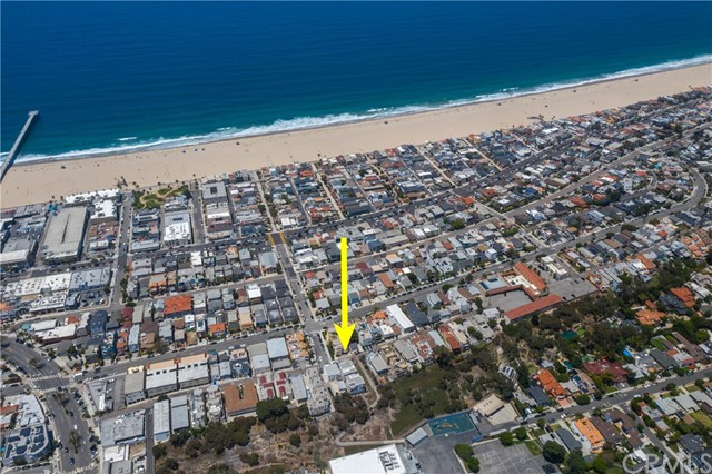 1612 LOMA DRIVE B, Hermosa Beach, California 90254, 4 Bedrooms Bedrooms, ,3 BathroomsBathrooms,For Sale,LOMA DRIVE,SB20113501