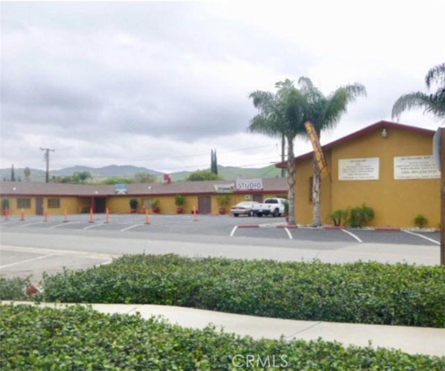 13490 Magnolia Avenue, Corona, CA 92879