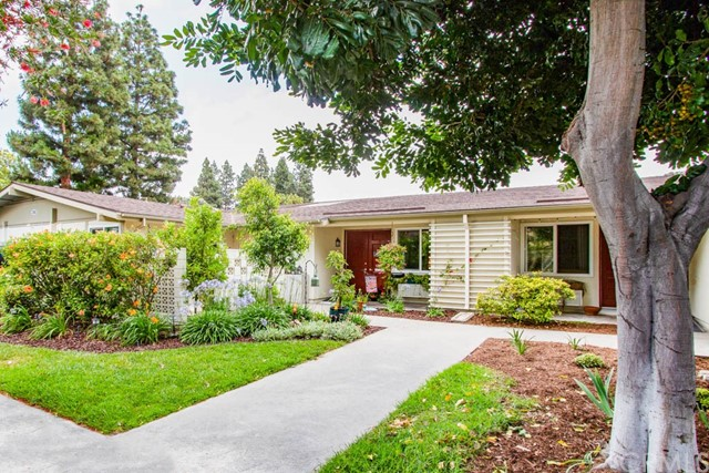 202  Avenida Majorca, Laguna Woods in Orange County, CA 92637 Home for Sale