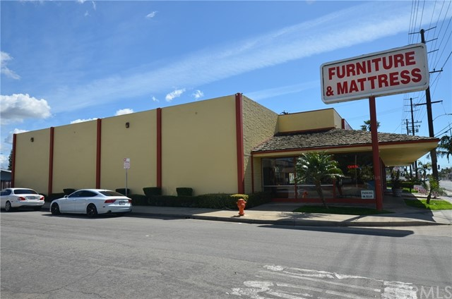 565 N Tustin Street, Orange, CA 92867