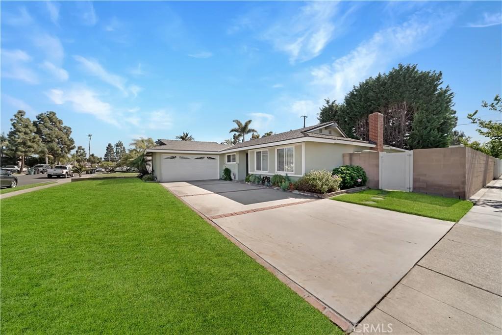 16281     Arlington Lane, Huntington Beach CA 92649