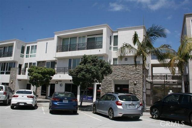 924 Hornblend Street 301, San Diego, CA 92109