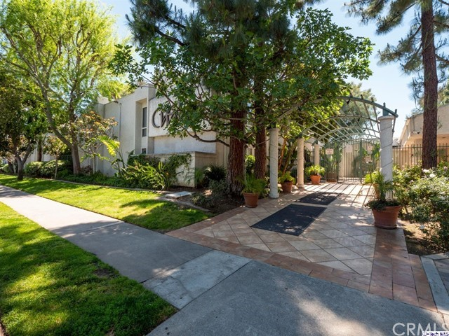 20134 Leadwell Street 223, Winnetka, CA 91306