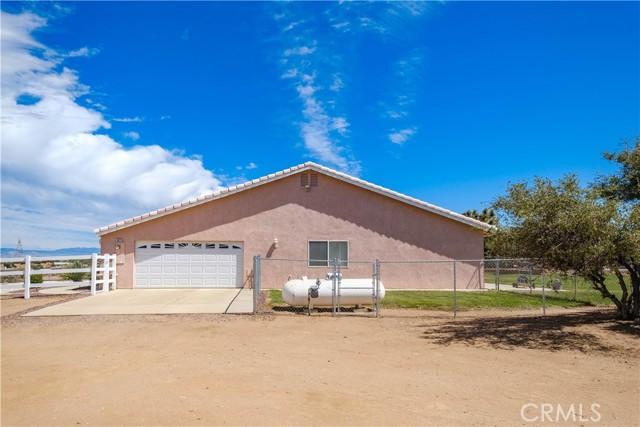 9875 Alta Mesa Rd, Oak Hills, CA 92344 Photo 41