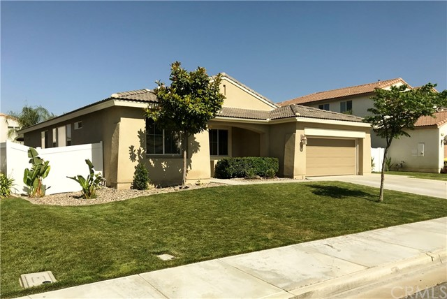 422 Hazeldell Avenue, San Jacinto, CA 92582
