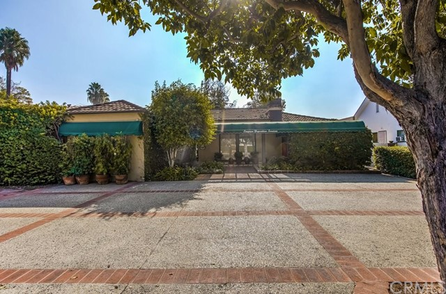 1324 E Chapman Avenue, Orange, CA 92866