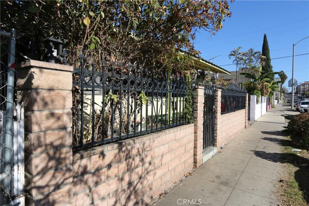 4421     Oakwood Avenue, Los Angeles CA 90004