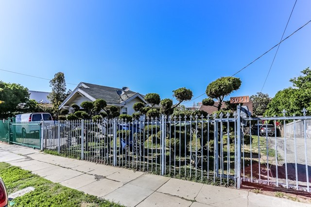 3051 W 12th Street, Los Angeles, CA 90006