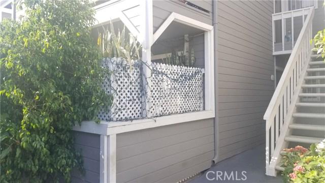 7307 Haskell Avenue 6, Lake Balboa, CA 91406