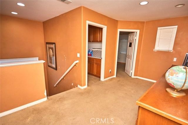9030 Guadalupe Av, Oak Hills, CA 92344 Photo 16