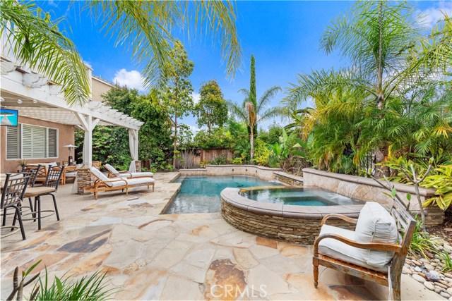 23 Sunnydale Lane, Rancho Santa Margarita, CA 92688