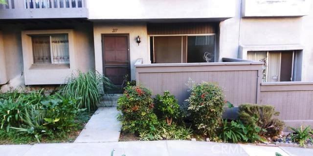 217 Ridge Terrace Lane 11, Montebello, CA 90640