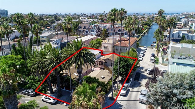 2309 Ocean Ave + 486 Carroll Ave are two side-by-side parcels situated adjacent to the Venice Canals.  The properties consist of four total units, (1) 3-bed/2-bath SFR, (1) 2-bed/1-bath & (2) 1-bed/1-bath situated on a 5,401 Sf lot. Located in the heart of Silicon Beach, the property features three off-street parking spaces and a two-car garage. Given the property's ideal location, strong unit mix, and significant upside rent potential, 2309 Ocean Avenue & 486 Carroll Avenue are excellent investment opportunities for any investor seeking growth, stability, and a hedge against inflation.