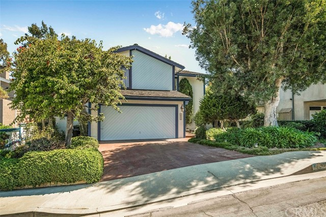 1240 17th Street, Hermosa Beach, California 90254, 4 Bedrooms Bedrooms, ,1 BathroomBathrooms,For Sale,17th,PV20183529