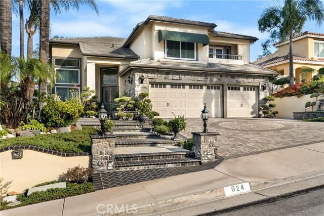 924 S Camerford Lane, Anaheim Hills, CA 92808