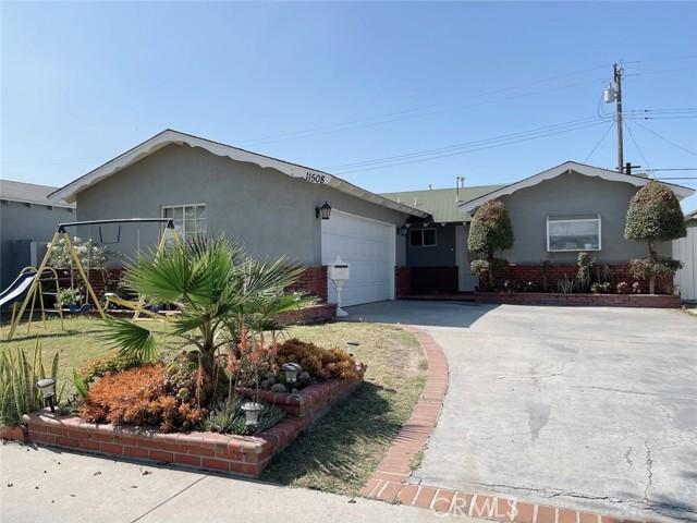 11508 206th St, Lakewood, CA 90715