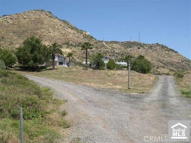 27740 Linnel Lane, Murrieta, CA 92562