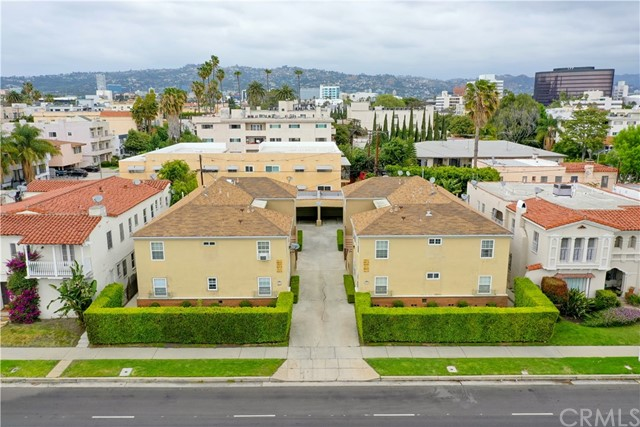 8611-8615 West Olympic Boulevard is a 12 unit offering built in 1948. The beautiful 2 bedroom, 1 bathroom apartments are situated near Beverly Hills, Miracle Mile, Cheviot Hills and Century City. Located in the Pico-Robertson area, you will find the neighborhood is low key with a great sense of community and quiet living. 8 units have been renovated with quartz countertops, new cabinets, stainless steel appliances, and vinyl plank floors. Select windows have been replaced with dual pane windows. ***6 units have been retrofitted with Central A/C.***