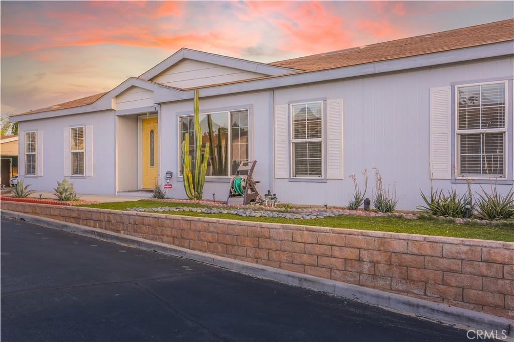 73450     Country Club Drive   323, Palm Desert CA 92260