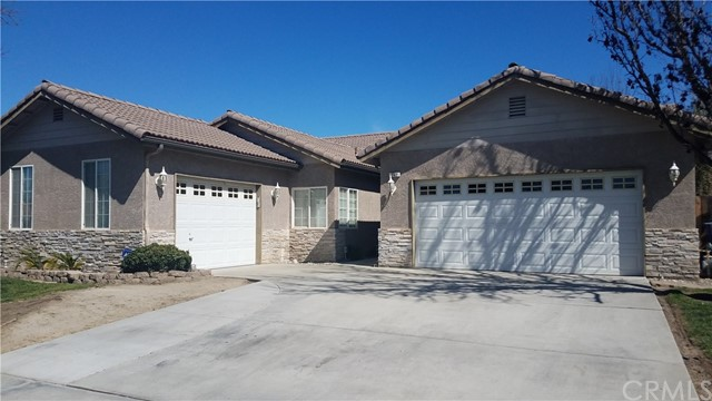 562 Puffin Lane, Lemoore, CA 93245