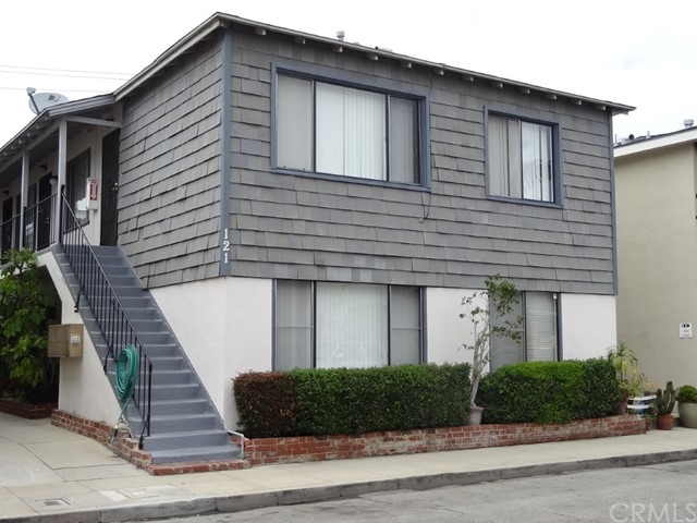 Location, Location, Location! Located Just One Block away from the Ocean in a Prime Neighborhood of Long Beach. The Two Story 8 units Building comprised of Five Studios and 3 One Bedroom units. The Property Presents Investors with a Stabilized Asset in a Highly-Sought after Non Rent Controlled Market. Great Long Terms Tenants. This Well Kept Building Stays Rented as it is in One of The Most Desirable Location. It has its Own Onsite Laundry. The Building is Located in the Affluent Neighborhood of Belmont Shore, Walking Distance from the Ocean and Belmont Shore's 2nd Street  Retail Corridor, Restaurants and Coffee Shops. Do not let  this Great Opportunity Pass By!