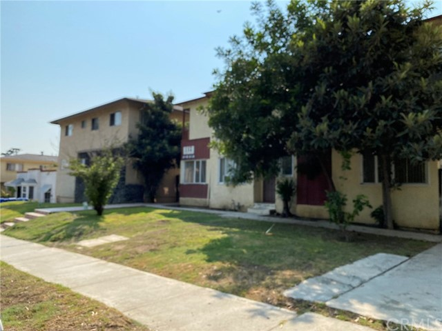 Well maintained, 16 units located in and high-rental demand area of central Los Angeles.? Eleven 2-bedroom, 1-bath units; five 1-bedroom 1-bath on a large 17,294 square foot lot.? Great commuter location.? 16 parking places, security gate and on-site laundry.? This property is also offered as part of seven building portfolio (see attached Offering Memorandum).? Shown on accepted offers only.? Please do not disturb the tenants.?