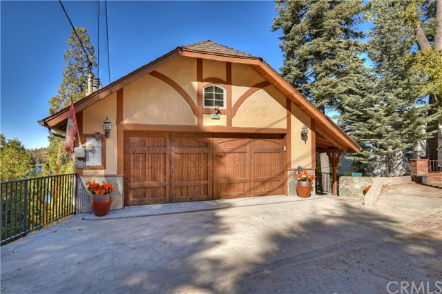 28800 Palisades, Lake Arrowhead, CA 92352