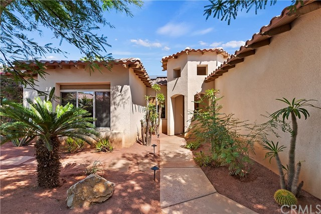 30 Tucson Circle, Palm Desert, CA 92211