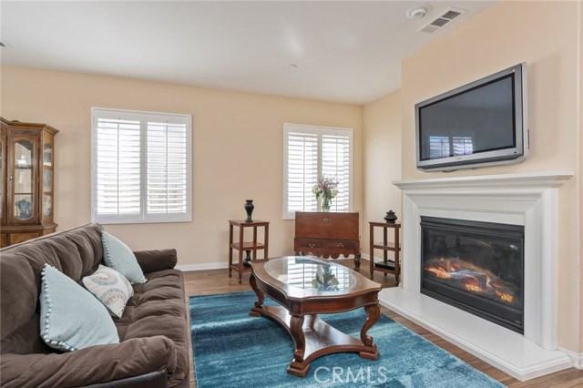 28018 Kenny Lane, Saugus, CA 91350